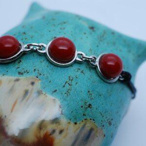 bransoletka-3-elementy-koralowa-czerwien-rekodzielo-artystyczne-bizuteria