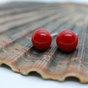 kolczyki-sztyfty-koralowa-czerwien-rekodzielo-bizuteria