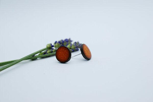kolczyki-sztyfty-okragle-jasny-pomaranczowy-zizuza-ceramika-rekodzielo
