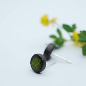 kolczyki-sztyfty-okragle-male-intenstywny-zielony-zizuza-sklap-z-rekodzielem