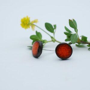 kolczyki-sztyfty-okragle-male-pomaranczowy-bizuteria-ceramiczna-zizuza