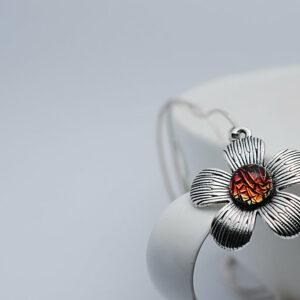 wisiorek-kwiatek-ognista-lawa-rekodzielo