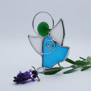 aniolek-tanczacy-niebiesko-bialy-aniolek-witrazowy-rekodzielo-artystyczne-zizuza