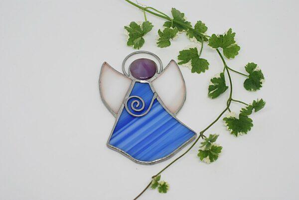 aniolek-wiszacy-bialo-niebieski-aniolek-witrazowy-sklep-z-rekodzielem-zizuza