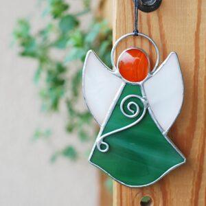 aniolek-wiszacy-zielono-bialy-aniolek-witrazowy-sklep-z-rekodzielem-artystycznym-zizuza